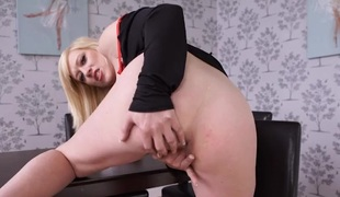 Heels with an increment of bloomers are hot on make an issue of masturbating blonde