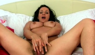 Muted mom opens her legs far to show retire from her bush