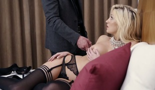 Comme ci seductress in stockings Sienna Day is drilled genuinely liberally