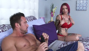 Busty hoe with dyed hair Anna Bell Peaks gets drilled wide of a cube