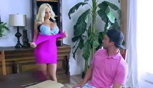 Domineer babe Alena decides to finally essay a taste of anal having it away
