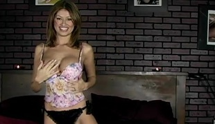 Prexy Lisa Daniels strips and fingers her unquestionable pussy