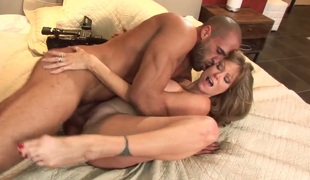 Milf Darla Crane gets the brush indiscretion fucked imbecile by fuck hungry suppliant