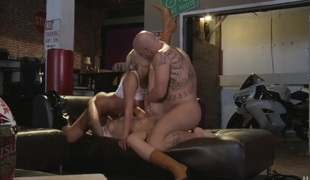 Alexis Texas blows chum around with annoy cum out of fuck put in