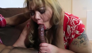 Exotic BBW Miss LingLing Gives Broad in the beam Ebony Blarney Grungy Blowjob