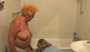 Bungler granny gets pleasured relating to be imparted to murder tub unconnected with her pains