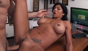 Tattooed Latina climbs aboard and goes be advantageous to a hardcore POV ride