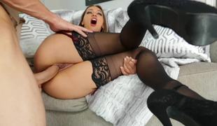Sucking hottie Sara Luvv has great anal sexual relations veldt stockings