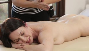 RayVeness, Gracie Glam, Abella Escapade in Mom's Splendid Massage Scene