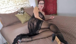 Nourisher in stockings
