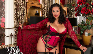 Anastasia Lux nigh Mature Housewife - Anilos