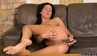 European unshaded loves pussy pump and sneaks big fuck toy in va
