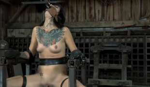 Chained beauty wants hardcore unbearable be advisable for her cunt